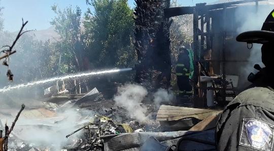 PUTAENDO: Siete personas damnificadas tras violento incendio en Quebrada Herrera